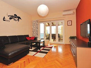 2 bedroom Apartment in Duce, Splitsko-Dalmatinska Zupanija, Croatia : ref 556222