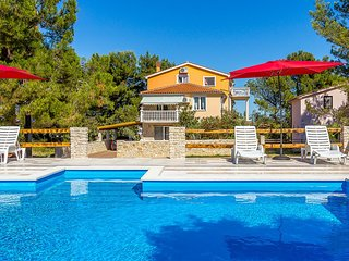 2 bedroom Apartment in Ližnjan, Istria, Croatia : ref 5557511