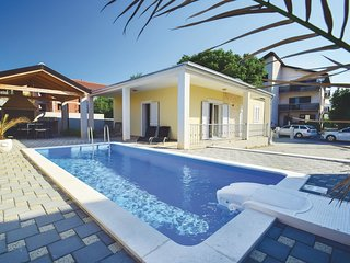 2 bedroom Villa in Vodice, Sibensko-Kninska Zupanija, Croatia : ref 5563796
