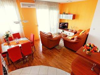 2 bedroom Apartment in Split, Splitsko-Dalmatinska Zupanija, Croatia : ref 55592