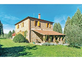 3 bedroom Villa in Farnetella, Tuscany, Italy : ref 5540443