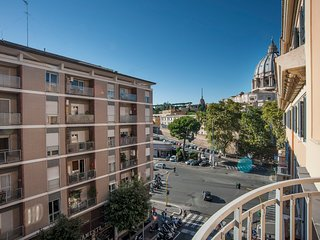 Cuore apartment in Rom  with  view of  St. Peter's Dome