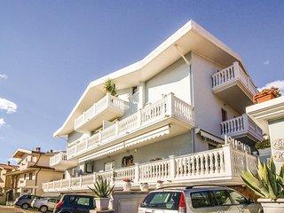 2 bedroom Apartment in Giardino, Abruzzo, Italy : ref 5541133