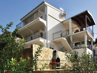 5 bedroom Villa in Stomorska, Splitsko-Dalmatinska Županija, Croatia : ref 55629