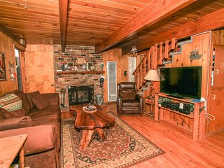 ~Quail's Nest~Woodsy Knotty Pine Big Bear Cabin~Great Deck~