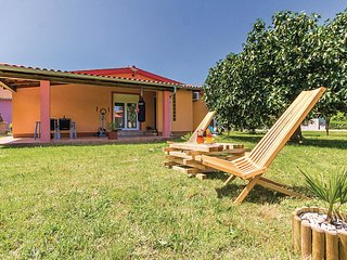 2 bedroom Villa in Stinjan, Istria, Croatia : ref 5537386