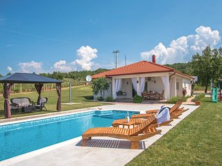 3 bedroom Villa in Aračići, Splitsko-Dalmatinska Županija, Croatia : ref 5562474
