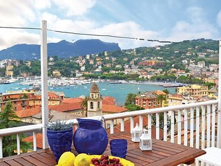 3 bedroom Apartment in San Michele di Pagana, Liguria, Italy : ref 5566643