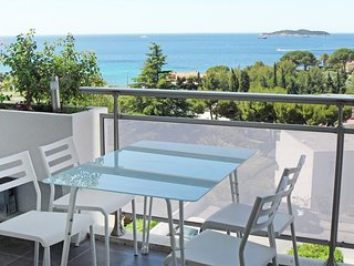 2 bedroom Apartment in Le Liouquet, Provence-Alpes-Cote d'Azur, France : ref 555
