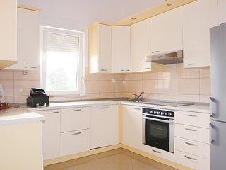 3 bedroom Apartment in Kastel Stafilic, Splitsko-Dalmatinska Županija, Croatia :