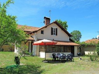 4 bedroom Villa in Mimizan, Nouvelle-Aquitaine, France : ref 5541636