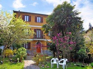 4 bedroom Apartment in Lavena Ponte Tresa, Lombardy, Italy : ref 5553071