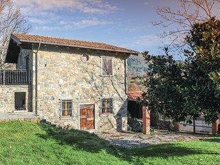 2 bedroom Villa in Camporgiano, Tuscany, Italy : ref 5541399