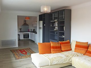 3 bedroom Apartment in Chambre-d'Amour, Nouvelle-Aquitaine, France : ref 5580518