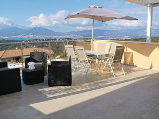 3 bedroom Apartment in Capo Toro, Corsica, France : ref 5552018