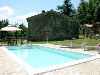 3 bedroom Villa in Misciano, Tuscany, Italy : ref 5490575