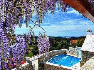 3 bedroom Villa in Donji Humac, Splitsko-Dalmatinska Županija, Croatia : ref 558