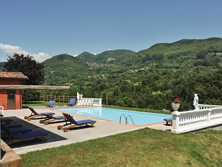 3 bedroom Apartment in Camporgiano, Tuscany, Italy : ref 5541342