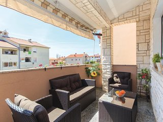 2 bedroom Apartment in Pula, Istria, Croatia : ref 5535876