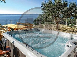 2 bedroom Villa in Krzanici, Splitsko-Dalmatinska Zupanija, Croatia : ref 555095