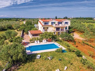 2 bedroom Apartment in Marana, Istria, Croatia : ref 5564125