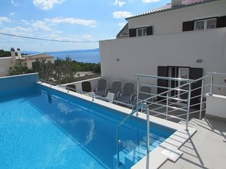 4 bedroom Apartment in Veliko Brdo, Splitsko-Dalmatinska Županija, Croatia : ref