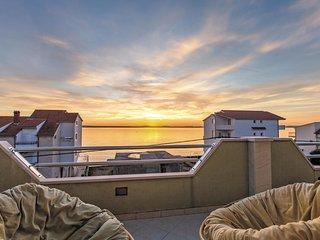 3 bedroom Apartment in Bajnice, Splitsko-Dalmatinska Županija, Croatia : ref 556