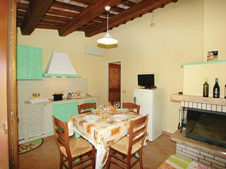 2 bedroom Apartment in Mezzanotte, The Marches, Italy : ref 5537526