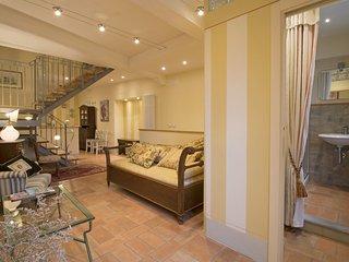 2 bedroom Apartment in Cortona, Tuscany, Italy : ref 5581140