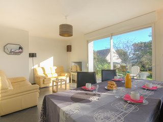 2 bedroom Villa in Saint-Pierre-Quiberon, Brittany, France : ref 5541505