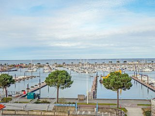 2 bedroom Apartment in Arcachon, Nouvelle-Aquitaine, France : ref 5583667