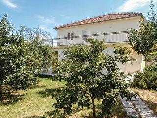 5 bedroom Villa in Kučiće, Splitsko-Dalmatinska Županija, Croatia : ref 5536286