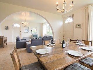 3 bedroom Villa in Saint-Pierre-Quiberon, Brittany, France : ref 5560322