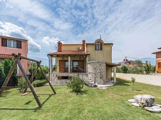 3 bedroom Villa in Svetvincenat, Istria, Croatia : ref 5564480