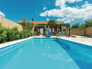 2 bedroom Villa in Konjevrate, Sibensko-Kninska Zupanija, Croatia : ref 5543975