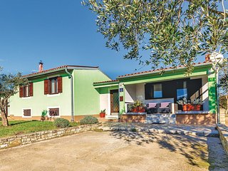 3 bedroom Villa in Vodnjan, Istria, Croatia : ref 5564142