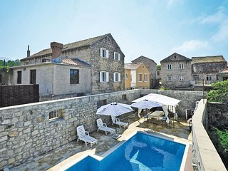 4 bedroom Villa in Komaji, Dubrovačko-Neretvanska Županija, Croatia : ref 556187
