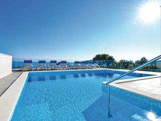2 bedroom Apartment in Zecevo, Sibensko-Kninska Zupanija, Croatia : ref 5562609