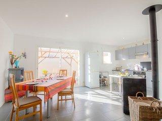 2 bedroom Villa in La Hume, Nouvelle-Aquitaine, France : ref 5699809