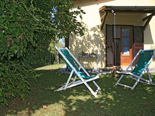 2 bedroom Villa in Forte dei Marmi, Tuscany, Italy : ref 5554657