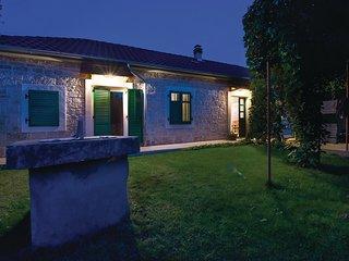 2 bedroom Villa in Puljane, Sibensko-Kninska Zupanija, Croatia : ref 5563740