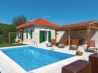 2 bedroom Villa in Puljane, Šibensko-Kninska Županija, Croatia : ref 5563740