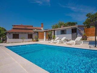 3 bedroom Apartment in Pula, Istria, Croatia : ref 5561244