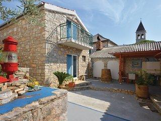 4 bedroom Villa in Grohote, Splitsko-Dalmatinska Županija, Croatia : ref 5536308