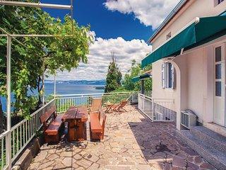 3 bedroom Villa in Omisalj, Primorsko-Goranska Zupanija, Croatia : ref 5564971