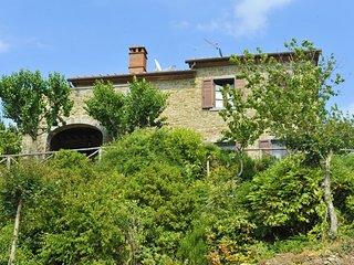 2 bedroom Villa in Cortona, Tuscany, Italy : ref 5490574