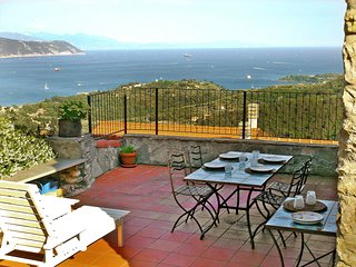 2 bedroom Villa in Le Grazie, Liguria, Italy : ref 5553132