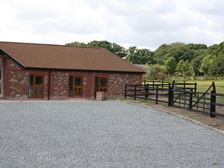 'The Shires' Holiday Property in Chichester (close to Goodwood Racecourse)