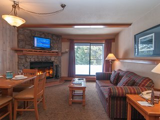 Feel at Home in the Rockies! Cozy Condo with Hot Pools Access