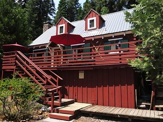 1460 Pine Ave., Tahoe Park